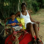 Amani and I juu ya tembo