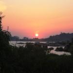 Sunset ya nguvu kijijini Burere
