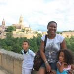 Tukiwa kwenye mji wa zamani sana Segovia, Spain