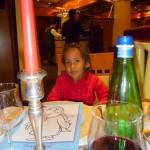 Ndani ya Cruise having dinner
