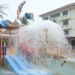 Watch out Amani, splash!