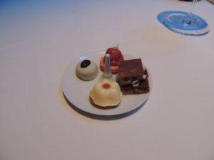 DSCN7244 (At Burj Al Arab hotel-Celebrate our 10th wedding anniversary-2014)